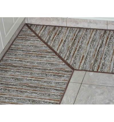 Angolo a 45 gradi on carpet custom cutting service